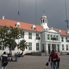 Photo taken at Museum Sejarah Jakarta (Museum Fatahillah) by Kisa D. on 5/20/2012
