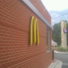 Photo taken at McDonald's by Dat Dude J. on 7/18/2012