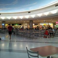 Photo taken at Shopping Jaraguá by Alex Cesário on 2/19/2012