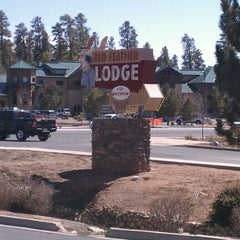 Photo taken at Red Feather Lodge Grand Canyon by PoMiFoS on 3/14/2012