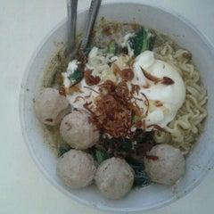 Photo taken at Kantor Pos Jakarta Utara by Peii A. on 1/12/2012