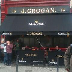 Photo taken at Grogan's by Stuart on 9/8/2011