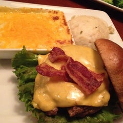 Photo taken at Ruby Tuesday by Melvin M. on 11/9/2011