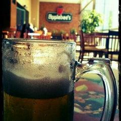 Photo taken at Applebee's by Eduardo O. on 11/22/2011