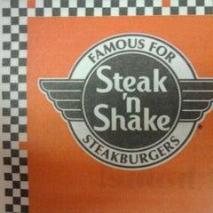 Photo taken at Steak 'n Shake by Rebecca L. on 2/20/2011