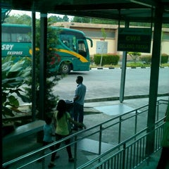 Photo taken at Sultan Abu Bakar CIQ Complex by Bernard W. on 9/10/2011