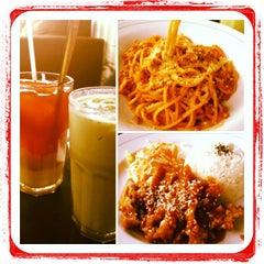 Photo taken at Pisa Kafe by jeihan h. on 6/22/2012
