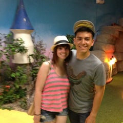 Photo taken at Magic Castle Indoor Golf & Amusement by Soo on 7/16/2012