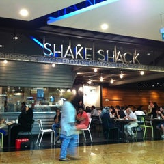 Photo taken at Shake Shack by Wafi A. on 4/5/2012