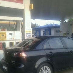 Photo taken at Shell Station - Tiram Wawasan by Mohd Iqbal M. on 9/3/2011