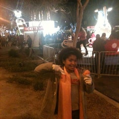 Photo taken at Glendale Glitter And Glow Block Party by sandy on 1/15/2012