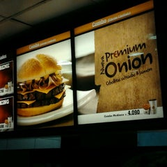 Photo taken at Burger King by Andrés S. on 3/16/2012