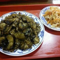 Photo taken at Takinga kínai étterem by Szecsa on 10/14/2011