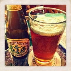 Das Foto wurde bei Café Feynsinn von Teymur M. am 4/25/2012 aufgenommen
