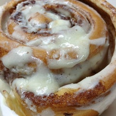 Photo taken at Cinnabon by moon on 6/26/2012