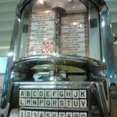 Photo taken at Rosie's Diner by Heather H. on 9/11/2012