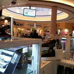Photo taken at Boulevard Mall by Diego F. on 2/11/2012