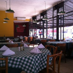 Photo taken at Don Pepitto Pizza & Pasta by Homero Coimbra N. on 3/31/2012