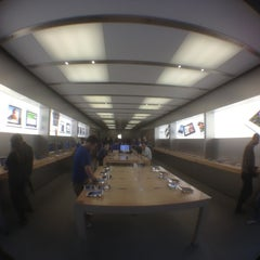 Photo taken at Apple Store by Andy M. on 4/26/2012