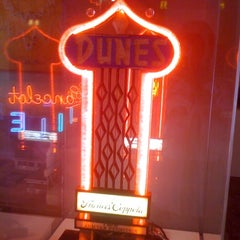 Photo taken at Museum Of Neon Art by Eric L. on 1/8/2011