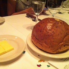 Photo taken at Morton's The Steakhouse by Jessica 제. on 1/31/2011