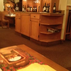 Photo taken at Olive Garden by WAlter L. on 12/31/2011