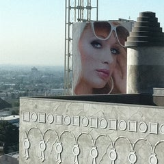 Photo taken at Hollywood Ballroom by Robert L. on 8/31/2011