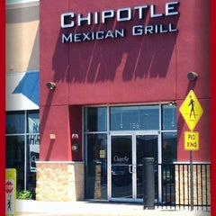 Photo taken at Chipotle Mexican Grill by Marie Q. on 6/16/2012