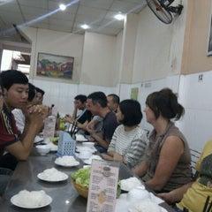 Photo taken at Bún Chả Hồ Gươm - Điện Biên Phủ by Minh Tri N. on 9/30/2011