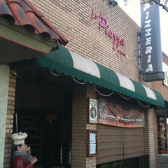 Photo taken at La Piazza al Forno by Ray K. on 2/14/2012