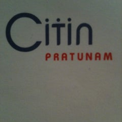 Photo taken at Citin Pratunam Hotel by Kelvin L. on 2/19/2011