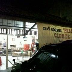 Photo taken at Ayam Goreng Presto by Bayu Dwi S. on 1/20/2012