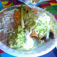 Photo taken at Tacomiendo by Luis S. on 9/9/2011