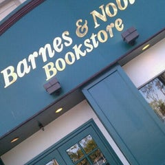 Photo taken at Barnes & Noble by Oscar G. on 1/29/2012