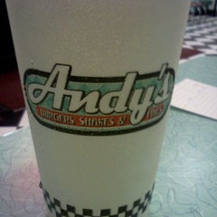 Photo taken at Hwy 55 Burgers, Shakes, & Fries by James F. on 9/13/2011