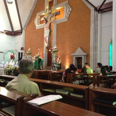 Photo taken at Gereja Katolik Redemptor Mundi by Irma B. on 6/17/2012