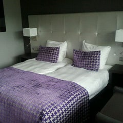 Photo taken at Van der Valk Hotel Almere by Kim W. on 9/11/2011
