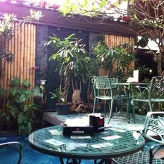 Photo taken at Waroeng Mbah Jingkrak Setiabudi by Nadia C. on 6/22/2011