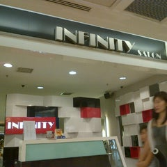 Photo taken at Infinity Hair Salon by Iznan m. on 10/26/2011
