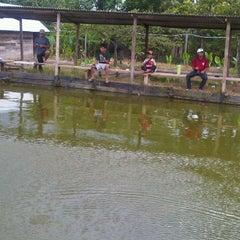 Photo taken at Kolam pemancingan by Hendra 💕💜 H. on 4/12/2011