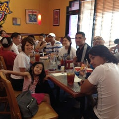 Photo taken at Fuddruckers by Lyn G. on 5/1/2012