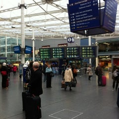 Photo taken at Manchester Piccadilly Railway Station (MAN) by Terry C. on 2/28/2012