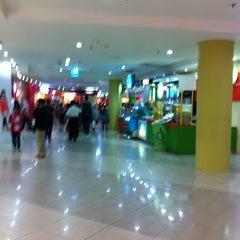 Photo taken at Mal Metropolitan by Jesica S. on 7/9/2012