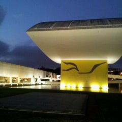 Photo taken at Estacionamento Museu Oscar Niemeyer by Alexane S. on 8/29/2012