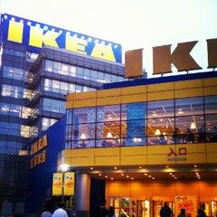 Photo taken at IKEA | 宜家家居 by 顾 明. on 7/19/2012
