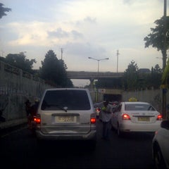 Photo taken at Underpass Pasar Gembrong by Si Bayu on 5/19/2012