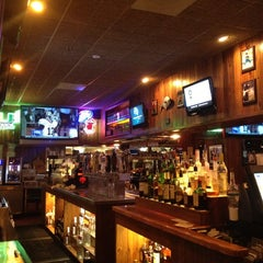 Photo taken at Miller's Doral Ale House by Rizo D. on 4/13/2012