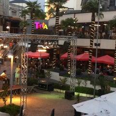 Photo taken at Boulevard by Pedro U. on 2/12/2012