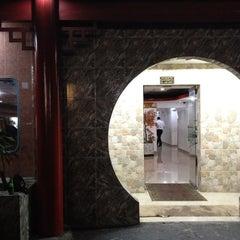 Photo taken at El Palacio del Dragon by Oswaldo T. on 5/12/2012