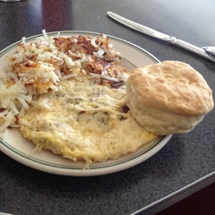 Photo taken at Hubbard Avenue Diner by Carolyn P. on 3/17/2012